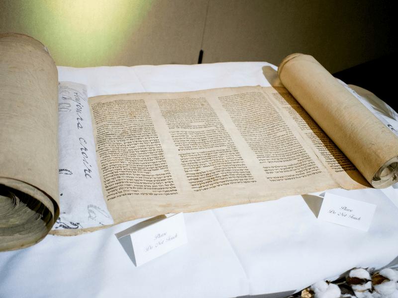 Larsons donate Torah scrolls to Christian institutions