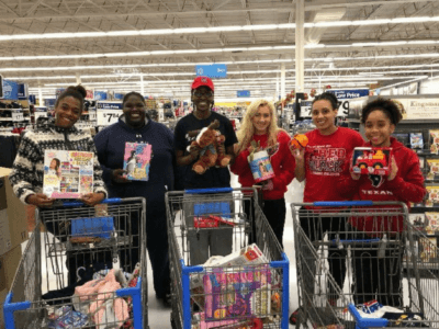 OKWU women's basketball team spreads Christmas cheer