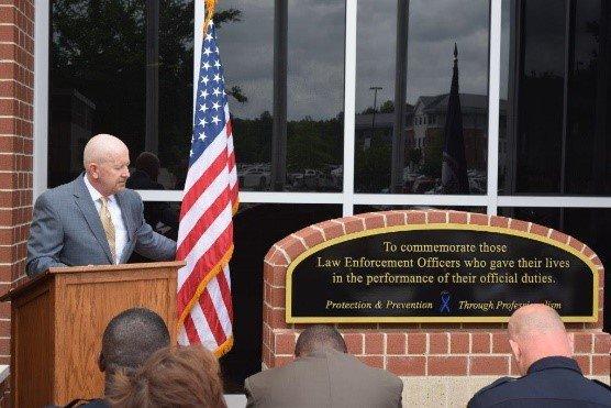 Wesleyan pastor receives distinguished police award